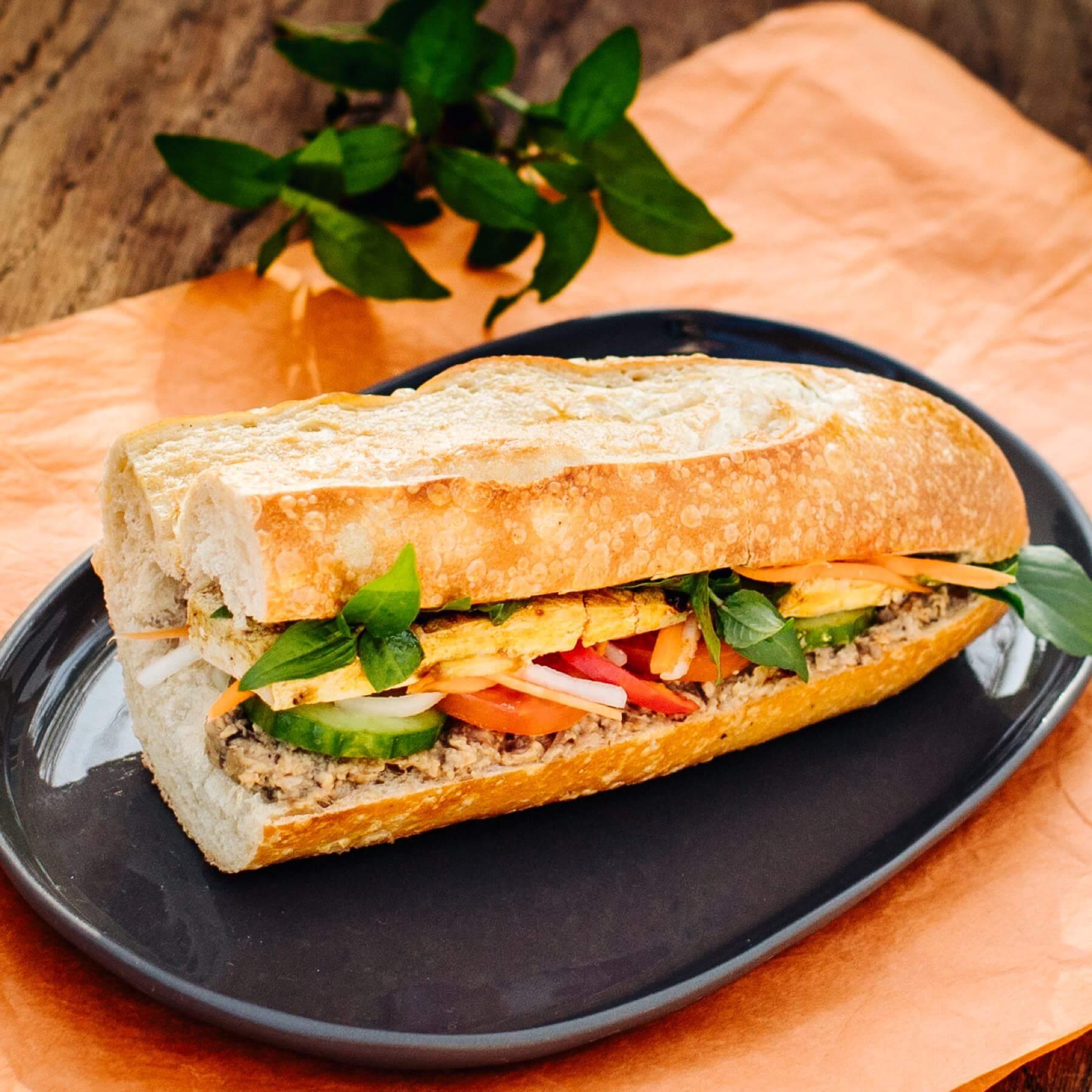 Veganes Banh-Mi-Sandwich aus Vietnam