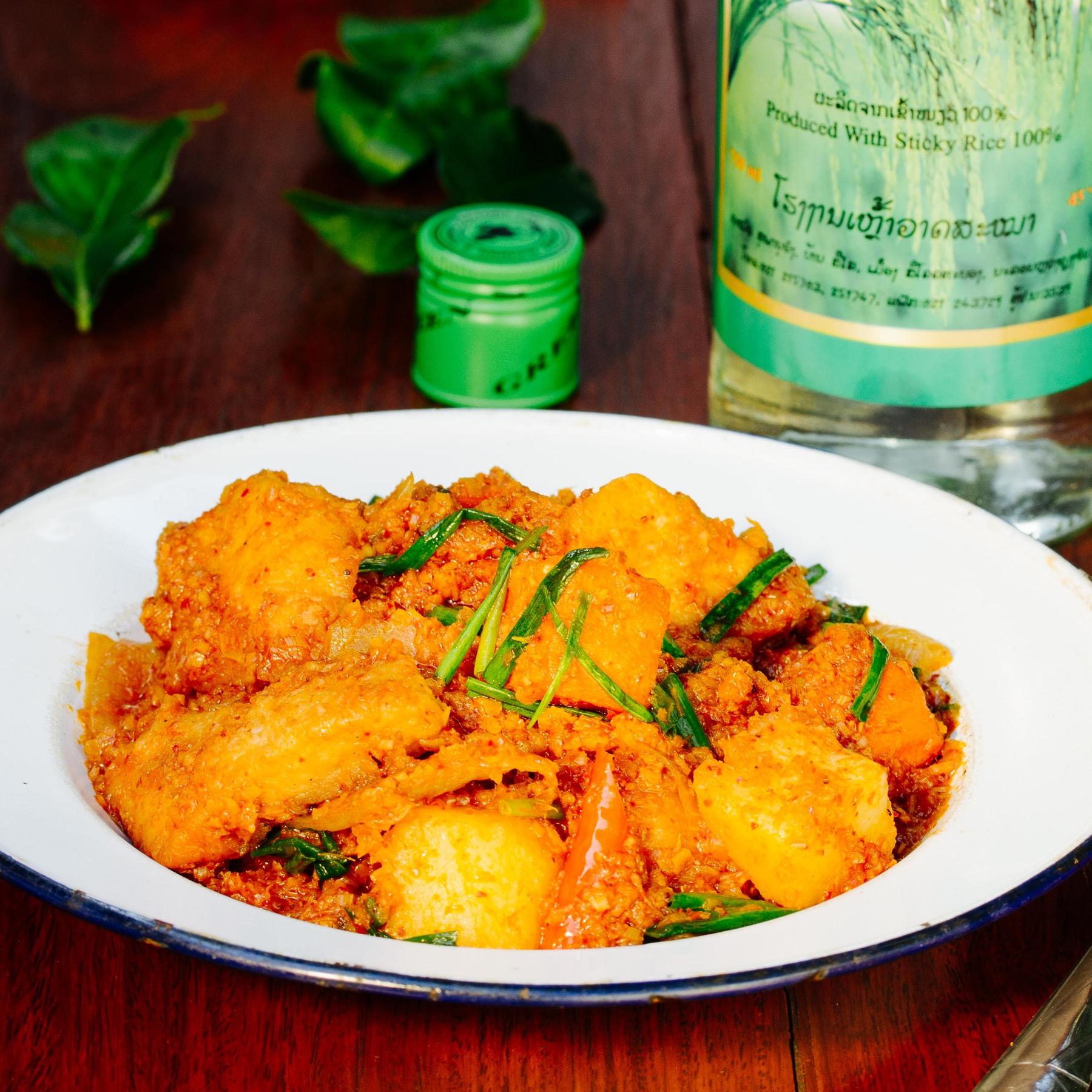Fisch-Curry mit Lao-Whiskey
