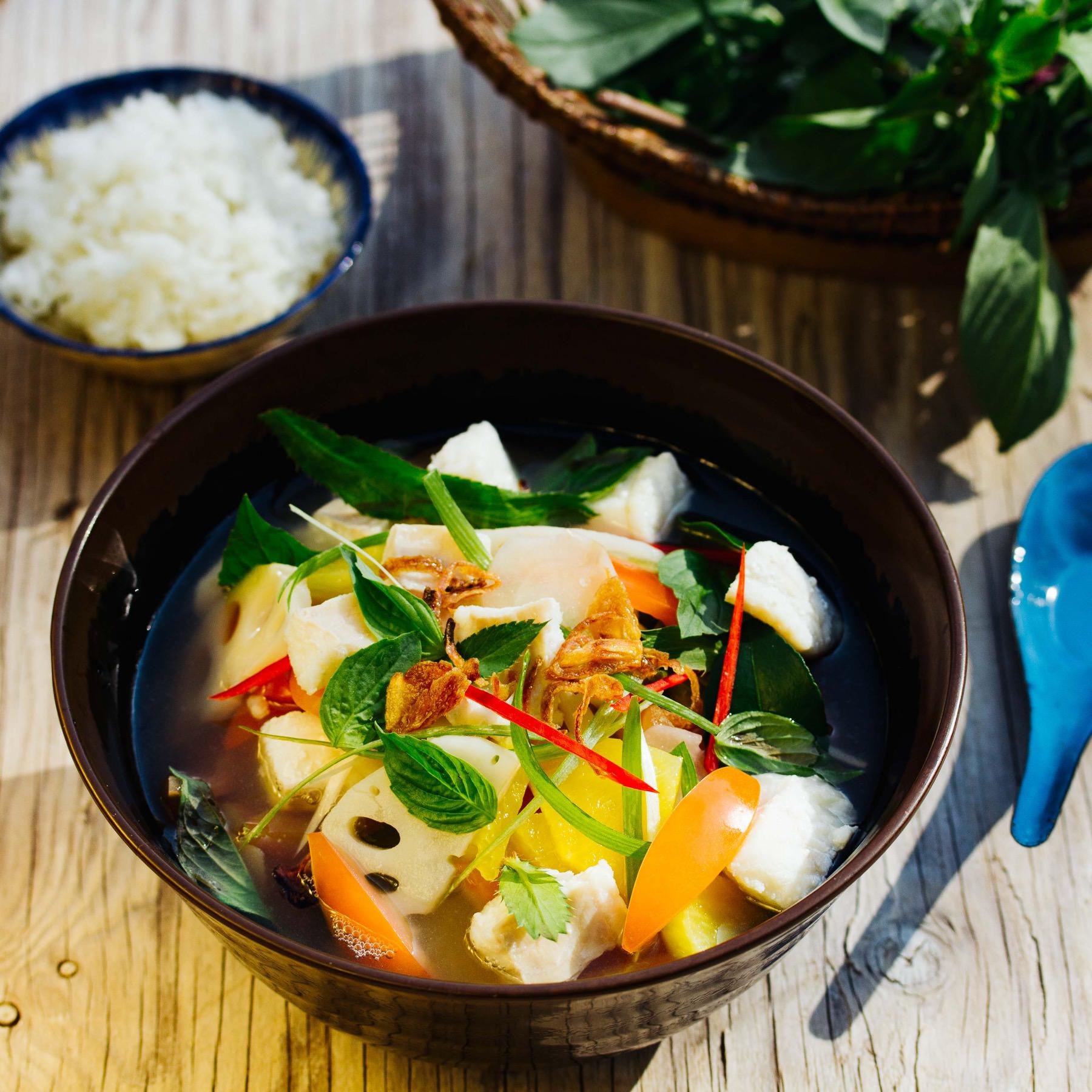 Süß-Saure Fischsuppe aus Kambodscha