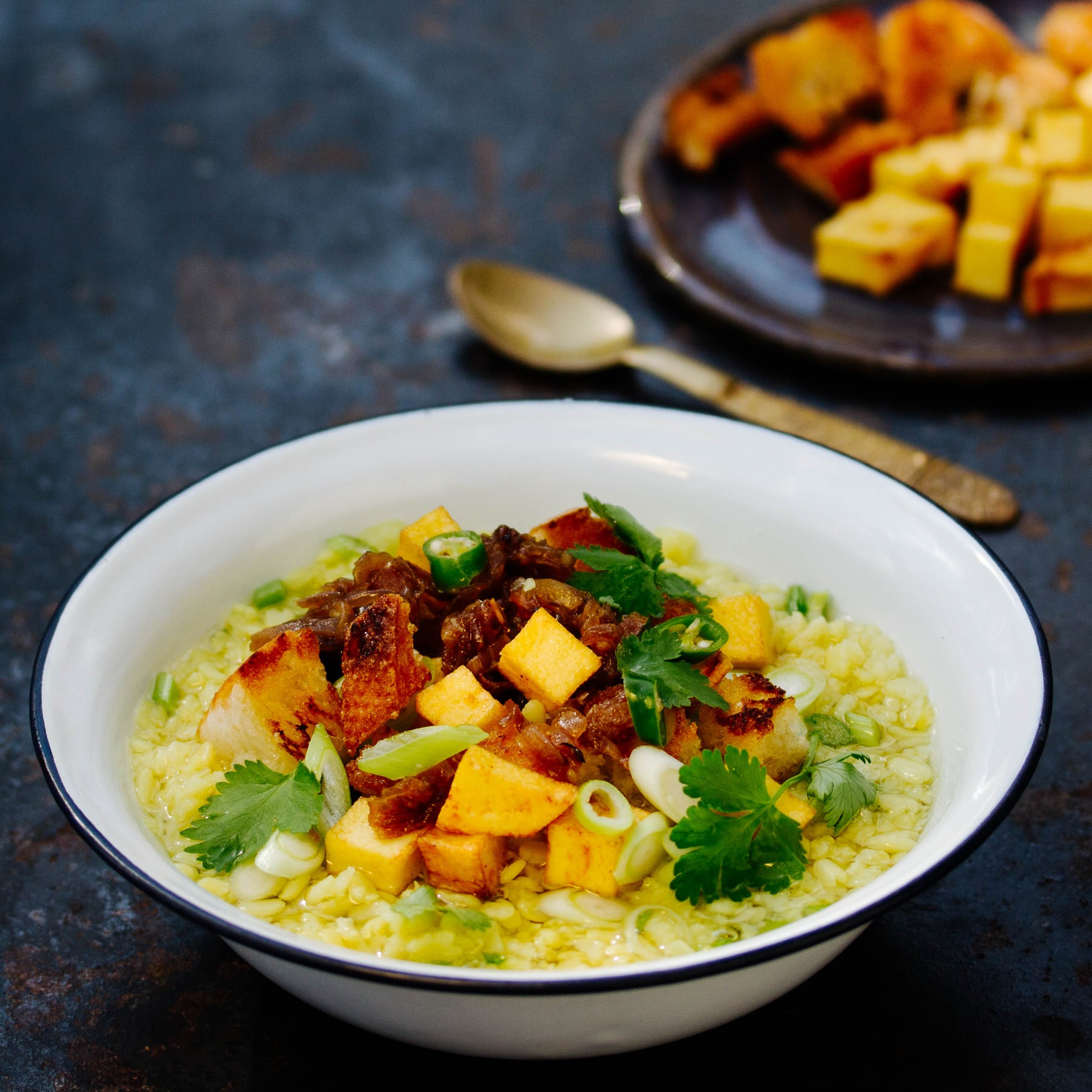 Burmesische Suppe aus roten Linsen - Penily Hincho