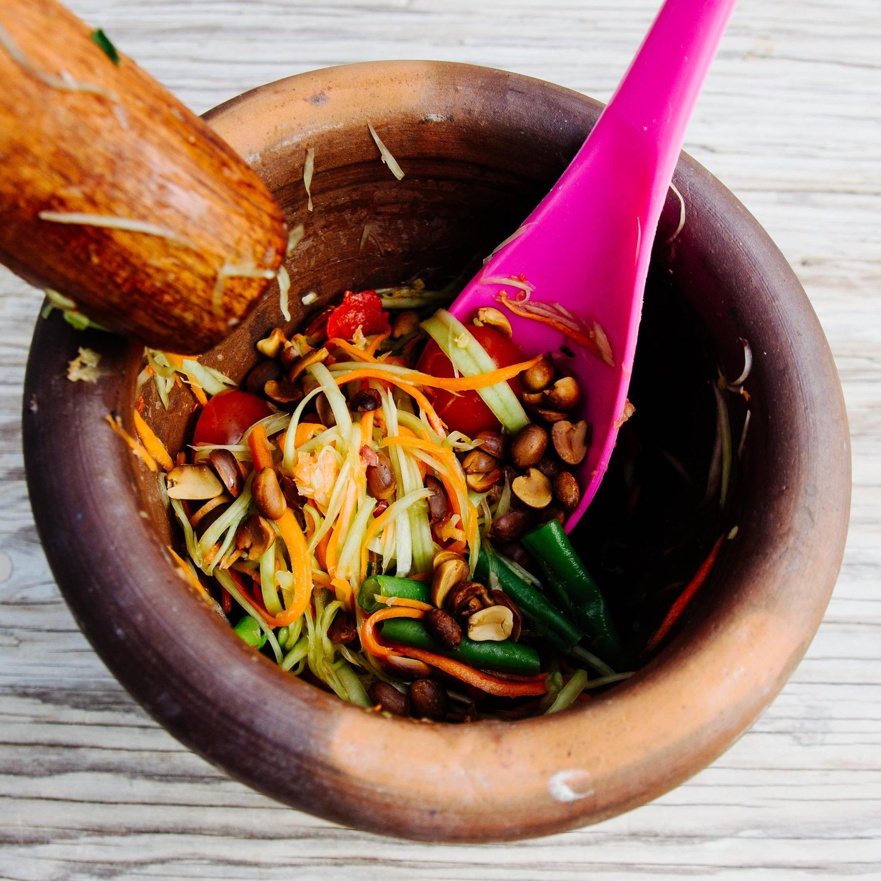 Thai Papaya Salat - Som Tam Thai