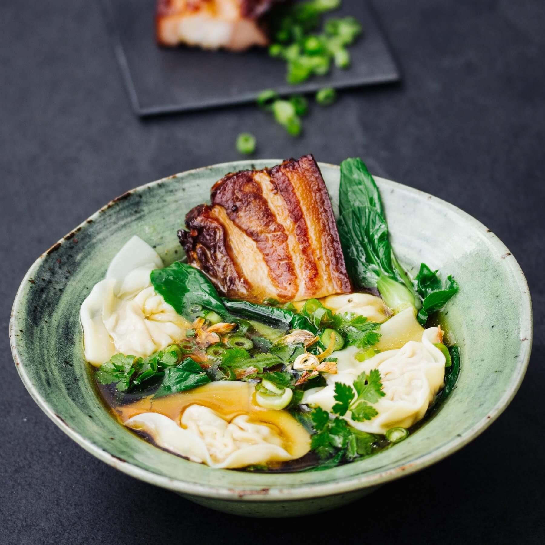Wan Tan Suppe mit gegrilltem Schwein - Hun Dun Tang